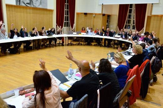 Conseil municipal et hommage aux victimes à Ivry-sur-Seine