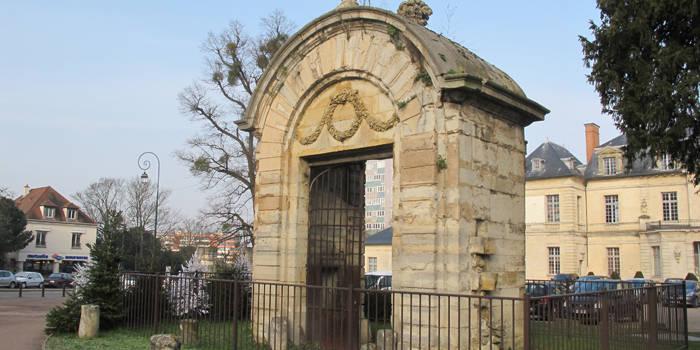 Appel aux dons pour restaurer le portail du Château de Sucy