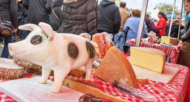 Foire au troc et aux cochons à Champigny-sur-Marne