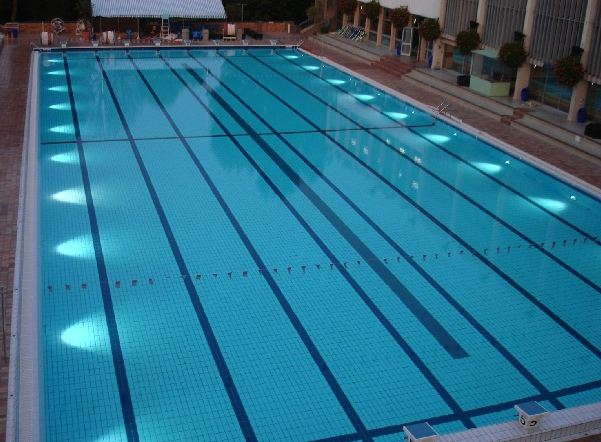 Espac o spie batignolles va reprendre la gestion de la for Piscine 50m paris