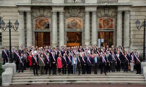 Métropole du Grand Paris : une photo de groupe pour refuser le Conseil de territoire