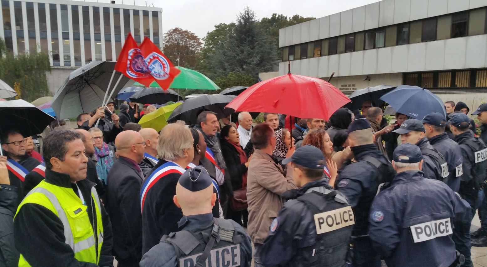 Manif et contre manif FN Marianne Fontenay 9
