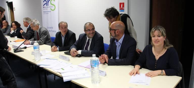 Accès aux soins : sept villes du Val-de-Marne signent un contrat local de santé