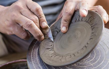 Se reconvertir ou se former aux métiers de l'artisanat