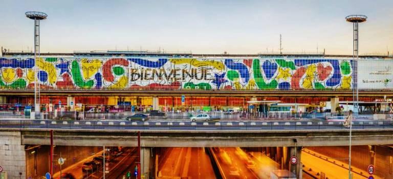 Orlove : Castelbajac signe une fresque monumentale à l'aéroport d'Orly