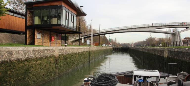 Les spécialistes mondiaux des eaux urbaines planchent en croisière sur la Marne