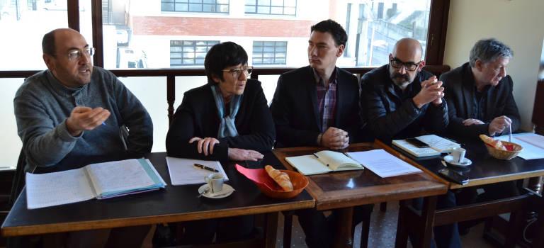 Baisse des dotations : quatre maires communistes rétorquent par un budget alternatif