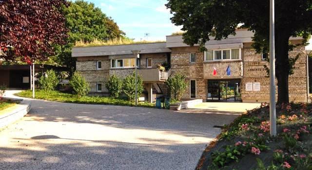 Carte scolaire en Val-de-Marne :  Cachan demande des comptes