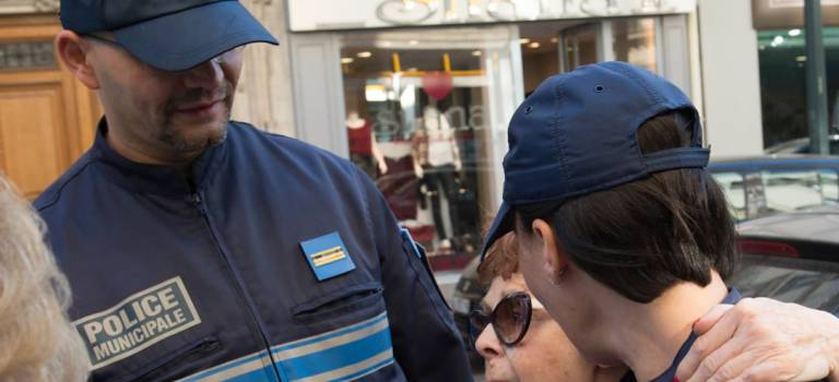 Une campagne d'affichage vante la police municipale à Saint-Mandé