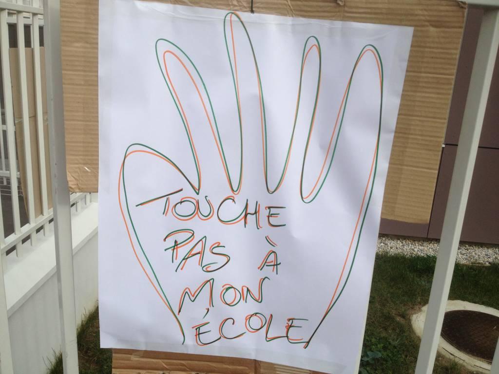 Touche pas à mon école Anatole France occupation carte scolaire champigny