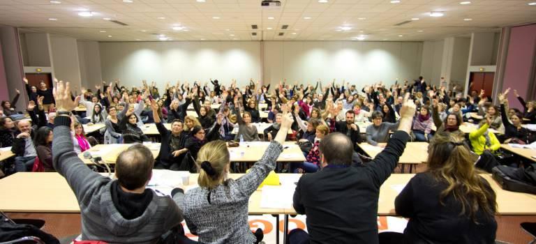Les enseignants du Val-de-Marne réfléchissent à une grève prolongée