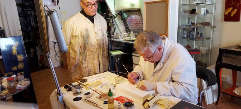 Le préfet tient le pinceau pour la Semaine de l'artisanat en Val-de-Marne