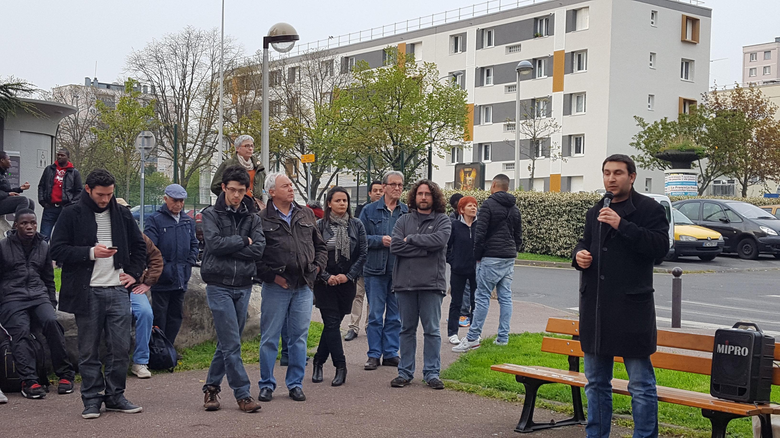 A cr teil la nuit debout se cherche dans les quartiers 94 citoyens for Comboulevard de creteil saint maur