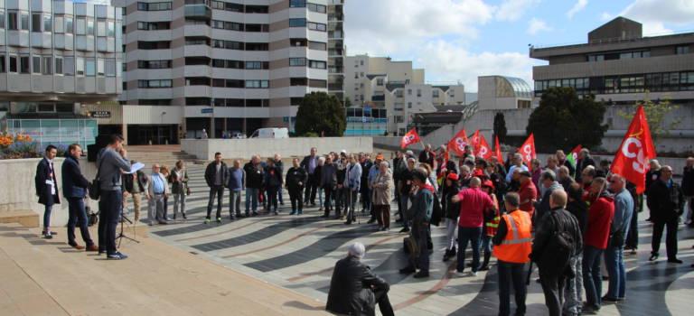 Loi travail : la CGT Val-de-Marne a manifesté à la mairie de Créteil