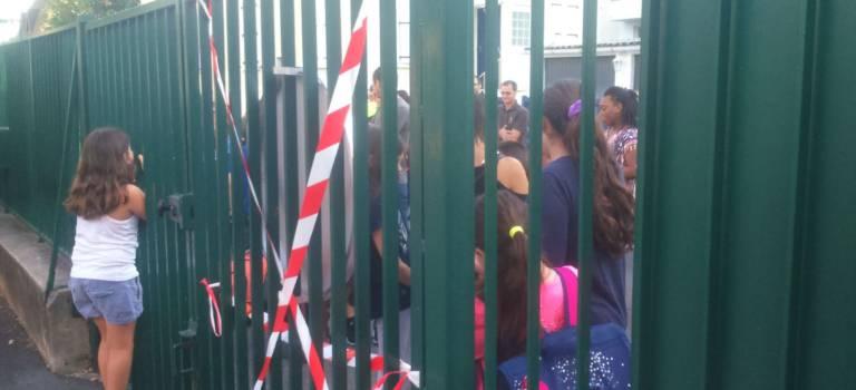 Premiers blocages d'école et création d'un collectif Val-de-Marne pour réclamer des classes