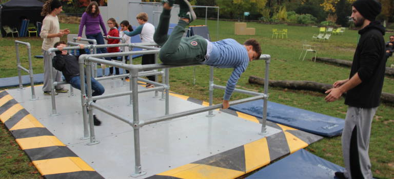 Au zoo de Vincennes, un Parkour pour apprendre à se déplacer comme des animaux
