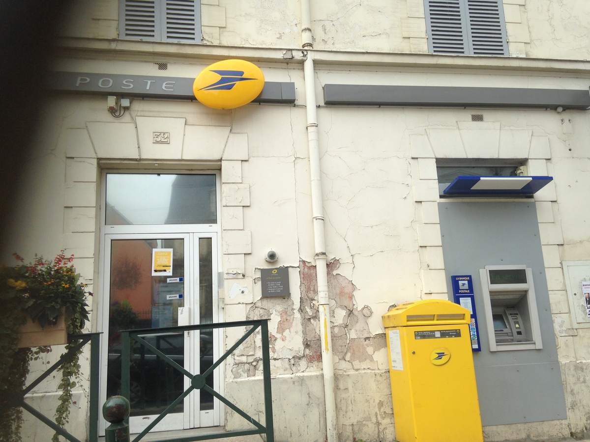 Rébellion contre la menace de fermeture dun bureau de poste à