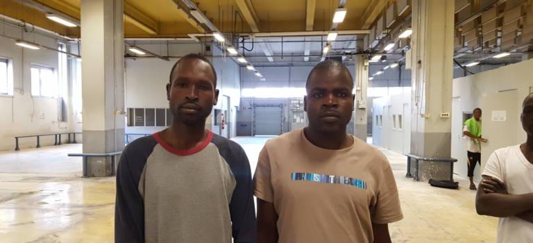 Nouveau départ pour Mohamed, Jumaahazad et 150 autres réfugiés dans l'ancien tri postal de Créteil