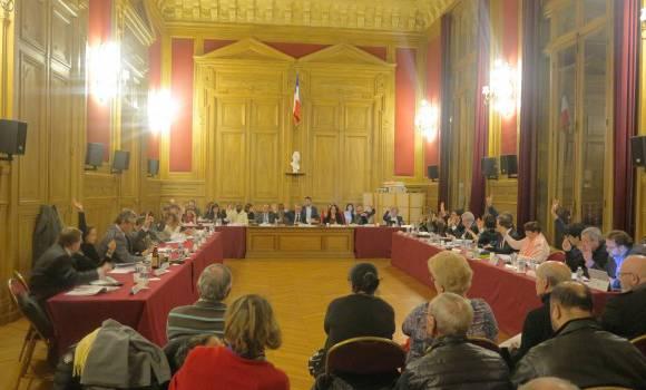 PS, PCF, MRC, UDE réclament ensemble la démission du maire du Kremlin-Bicêtre