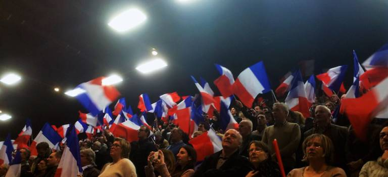 Les inconditionnels de Nicolas Sarkozy gonflés à bloc au meeting de Saint-Maur
