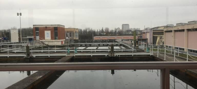 Anne Hidalgo annonce un plan de modernisation de l'usine des eaux d'Orly