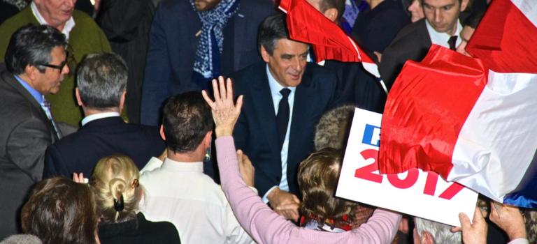 François Fillon acclamé par les siens à Maisons-Alfort