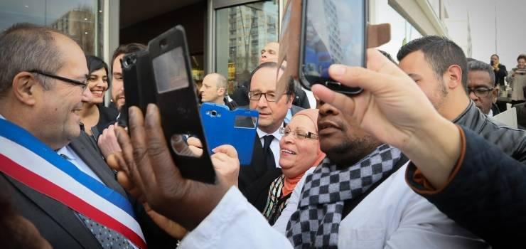 François Hollande accueilli dans la liesse pour booster les franchisés à Bonneuil