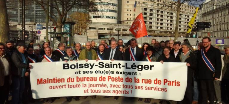 Défense de La Poste de quartier : le Val-de-Marne a donné de la voix à Bercy