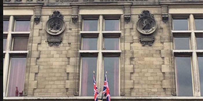 Vincennes rend hommage aux victimes de l'attentat au Royaume Uni