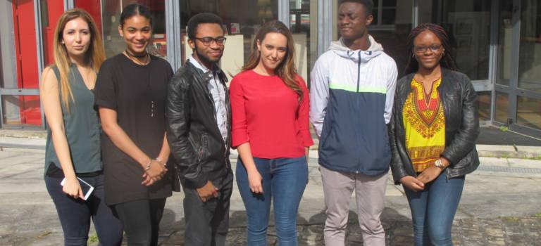 A Vitry-sur-Seine, l'association Jeunes solidaires joue l'entraide pour réussir le bachot et bien plus