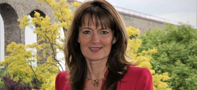 Législatives : Hélène de Comarmond pressentie pour reprendre la circo PS de J-Y Le Bouillonnec