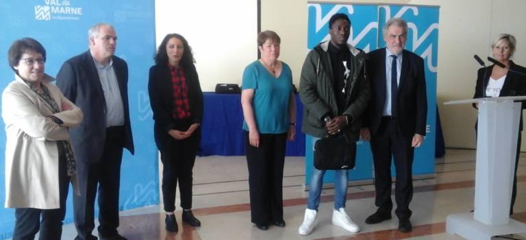 Service civique anti-décrochage : mission réussie en Val-de-Marne