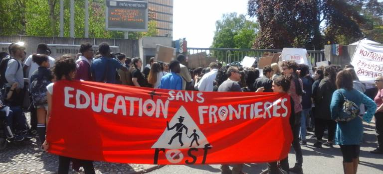 RESF lance une pétition contre les expulsions de lycéens étrangers