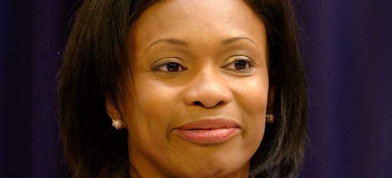 La ministre des Sports Laura Flessel aux hôpitaux de Saint-Maurice