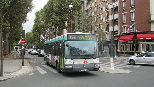 bus paris clermont trans 39 bus r seaux clermont ferrand t2c l aller retour clermont paris en. Black Bedroom Furniture Sets. Home Design Ideas