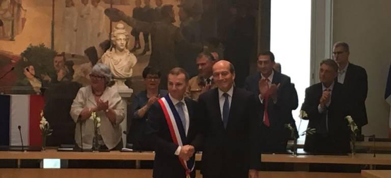 Michel Herbillon a transmis son écharpe de maire à Olivier Capitanio