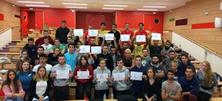 Les étudiants en Staps manifestent à Créteil