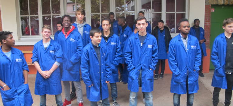 Lycée Keller : les blouses bleues de Cachan à la pointe