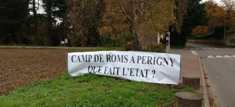 Périgny-sur-Yerres sort sa banderole contre un squat rom