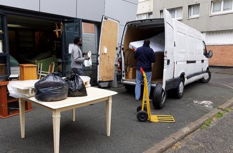 Appel aux dons pour une camionnette au GAS de Villejuif qui aide les réfugiés