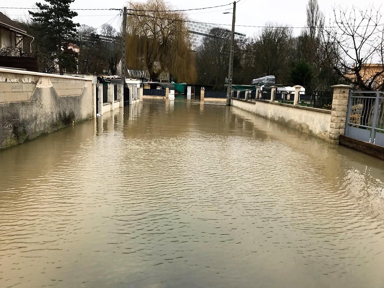Visite ministérielle à Villeneuve-Saint-Georges pour la renaturation des bords d'Yerres - 94 Citoyens