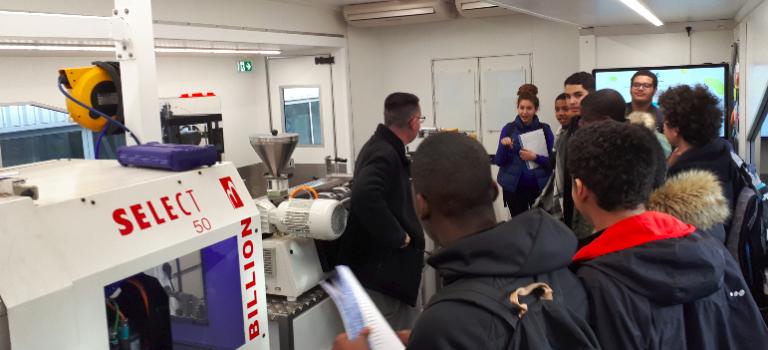 Le road-show des métiers de la plasturgie s'est arrêté à Boissy-Saint-Léger