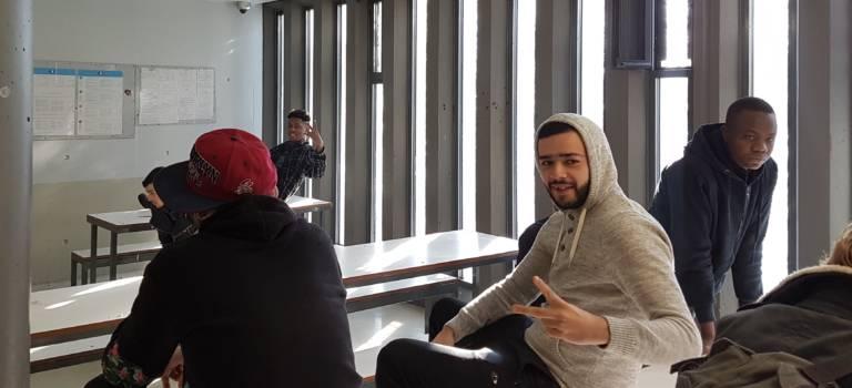 Centre de rétention des étrangers de Vincennes : un lieu de transit en débat