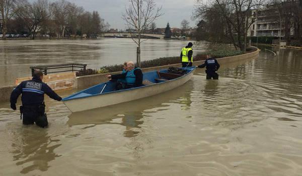Inondations en Val-de-Marne: le niveau remonte