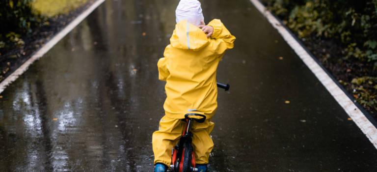 La fronde contre le fermetures en maternelle se poursuit à vélo