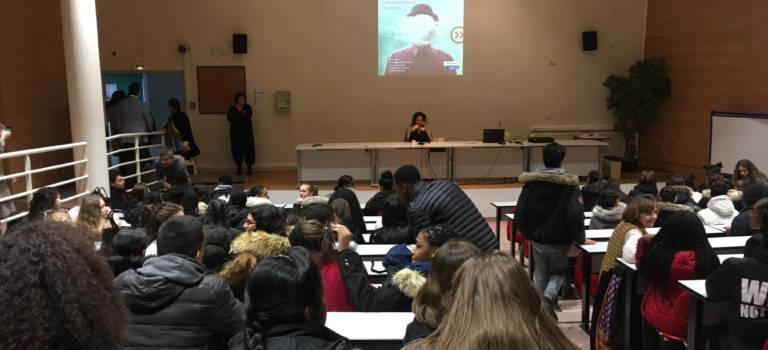 La romancière Jakuta Alikavazovic en prise directe avec les lycéens de Gutenberg à Créteil