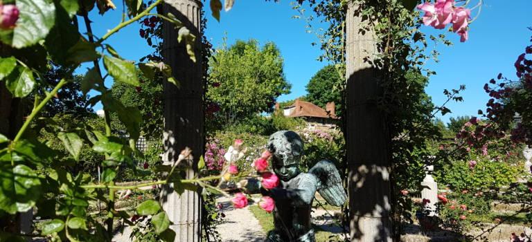 Concours: venez peindre votre rose surréaliste à L'Haÿ-les-Roses
