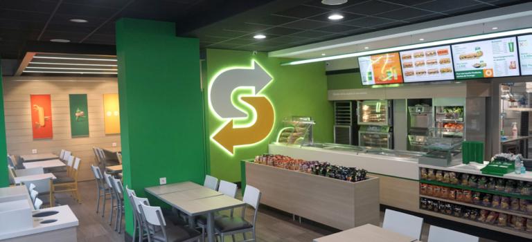 Subway France lance son relooking végétal et connecté