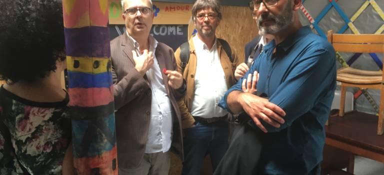 Le maire de Grande-Synthe est venu visiter le centre d'hébergement d'Ivry-sur-Seine