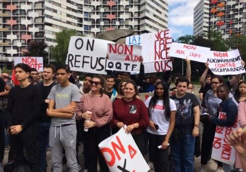 Nouvelle manif pour les lycéens sans papier en préfecture